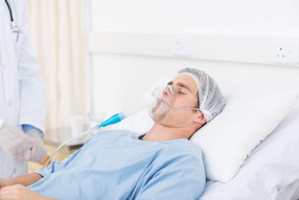 bệnh nhân thở oxy