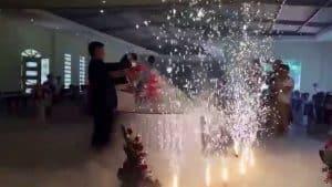 đá khói đám cưới sử dụng thế nào