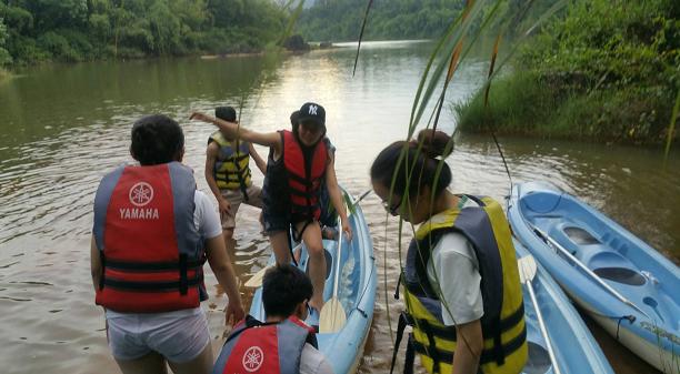 Cuộc thi chèo thuyền