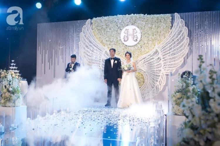 đá khói đám cưới mua ở đâu hcm