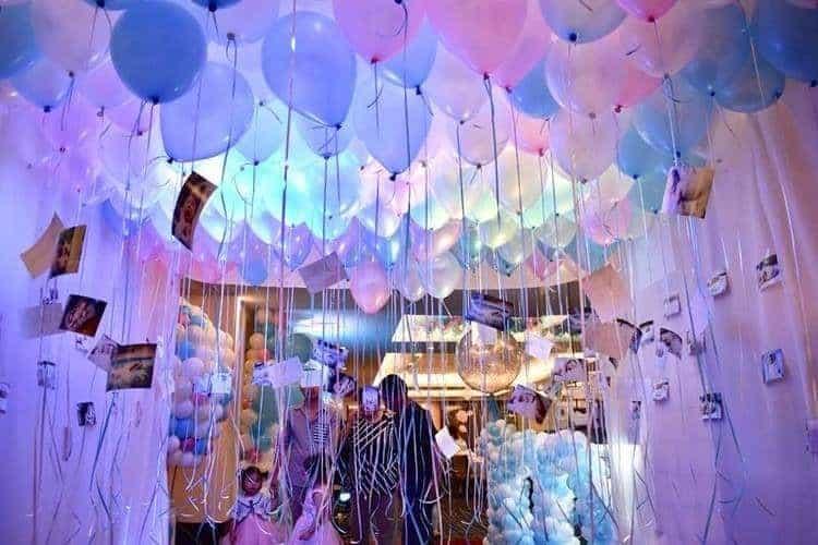 Một căn phòng tràn ngập bóng bay heli như này sẽ là điều ngạc nhiên cho tình yêu của bạn